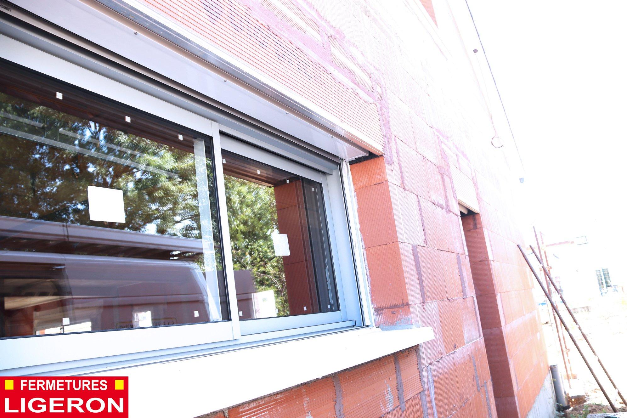 Pose de menuiserie porte d'entrée & fenêtres