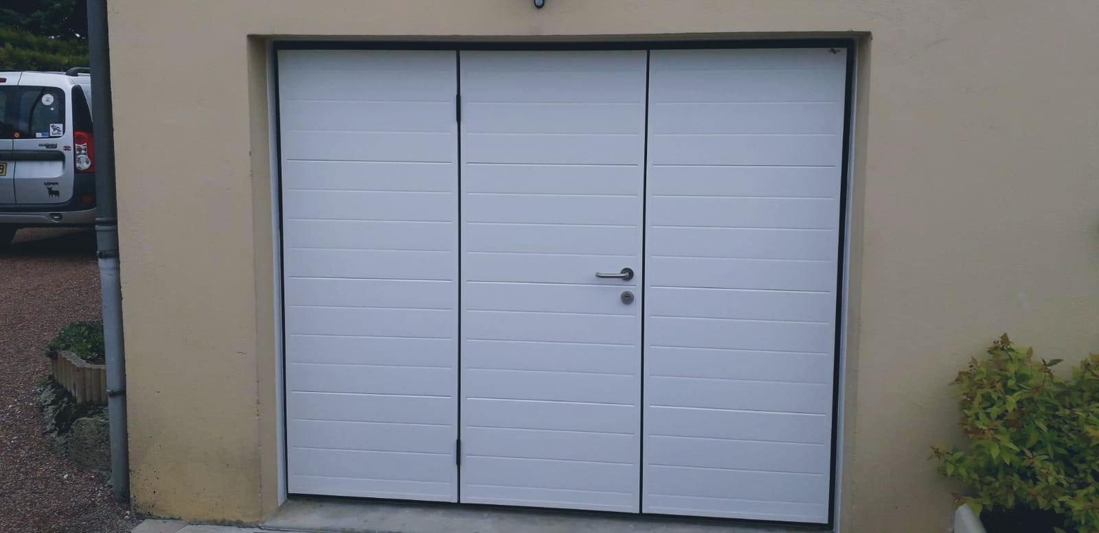 Une porte de garage moderne et fonctionnelle Moos